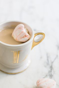 Cupid's Corner: Valentine's Day Marbled Heart Marshmallows Be My Valentine, Valentine Ideas, Favorite Holiday, Hot Chocolate, Sweet Treats, Food And Drink, Favorite Recipes, Yummy Food, Tasty
