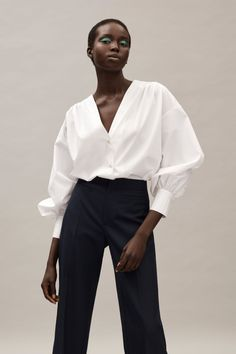 Jason Wu Pre-Fall 2020 Fashion Show - - Jason Wu Pre-Fall 2020 Collection – Vogue Source by mastriannimel Modern Fashion, Fashion 2020, Look Fashion, Minimalist Fashion, Fashion Show, Fashion Outfits, Womens Fashion, Fashion Trends, Casual Outfits