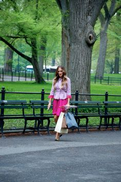 Best day of my life! Sarah Jessica Parker in Central Park. New York, May 2014 Sarah Jessica Parker, Day Of My Life, Central Park, New York, Celebrities, Photography, Dresses, Fashion, Vestidos