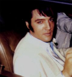 Elvis back home after a working day on his movie ( The troubled with girls ) october 28 1968.