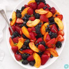 Healthy Fruits, Healthy Snacks, Paleo Fruit, Fruit Fast, Fruit Salad Recipes, Fruit Salads, Best Fruit Salad, Easy Healthy Breakfast, Fruit For Breakfast