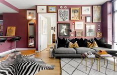 41 Painting Wall Ideas For Beautify Your Living Rooms Look , Painting is easily the most crucial part of a house and how a home appears majorly depend on it. The secret to painting and decorating walls is to pic. Room Rugs, Rugs In Living Room, Living Room Furniture, Living Room Decor, Bedroom Decor, Wall Decor, Tiny House, Room Decor For Teen Girls, Eclectic Living Room