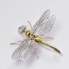 limited edition brooches by Vernissage Jewellery Dragonfly Jewelry, Insect Jewelry, Animal Jewelry, Jewelry Art, Antique Jewelry, Jewelry Accessories, Vintage Jewelry, Stylish Jewelry, Fashion Jewelry