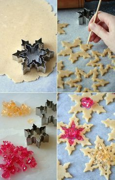 Stained Glass Cookies Tutorial Melt colored sugar inside the middle of cookie and then the cookie middle looks like glass Christmas Goodies, Christmas Candy, Christmas Desserts, Christmas Treats, Christmas Sugar Cookies, Holiday Cookies, Holiday Treats, Snowflake Cookies, Xmas Food