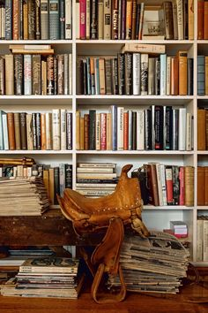 Bookshelf nostalgia from Bibliostyle #bookshelf #bookshelves #bibliostyle Action Story, Ceiling Shelves, Built In Bookcase, Bookshelf Styling, Bookshelves, Best Smart Home, Terms Of Endearment, Personal Library, Home On The Range
