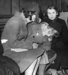 German Jewish refugee girls of the Kindertransport arrive in the U.K., December 1938