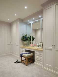 Trendy bedroom wardrobe ideas built ins interior design Ideas Built In Wardrobe Designs, Bedroom Built In Wardrobe, Bedroom Built Ins, Wardrobe Room, Bedroom Closet Design, Bedroom Decor, Master Closet, Built In Wardrobe Ideas Layout, Vanity In Closet