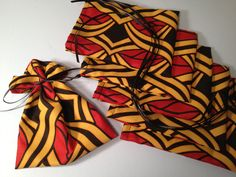 favour bags in african print African Wedding Theme, African Theme, African Attire, African Weddings, African Style, Wedding Set Up, Wedding Party Favors, Wedding Ideas, Wedding Decor