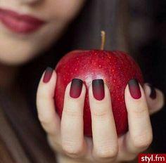 Perfekcyjny manicure dla wymagających kobiet - moc najlepszych wzorków i odcieni - Strona 5