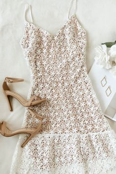 Stun your bridal party and wedding guests in this pretty rehearsal dinner dress outfit. A classic mid-length white lace dress is an easy choice for formal and casual wedding venues as the delicate flowers create an elevated bridal look. Source by outfits Bridal Outfits, Dress Outfits, Casual Dresses, Cute Outfits, Fashion Outfits, White Dress Outfit, Teen Dresses, Dinner Outfits, Woman Outfits