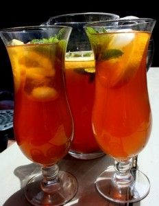 10 Health Benefits of Rooibos Tea! Summer Drink Recipes, Summer Drinks, Cold Drinks, Alcoholic Drinks, Tea Drinks, Tea Recipes, Beverage, Refreshing Drinks, Fruity Drinks