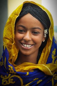 Africa | A smile from Harar. Ethiopia | ©Georges Courreges via @henachen