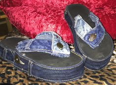 Denim flip flops sandals ...Refurbished Upcycled recycled old reused flip flops...I glued three soles together so they would be comfy...those buttons on the bottom of flip flops really start hurting your feet when you wear them all the time! I used gorilla glue and old jeans DIY Recycled Denim Crafts, Flip Flop Sandals, Flip Flops, Simple Projects, Old Jeans, Upcycle, Stitching, Recycling, Crafting