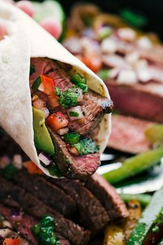 Steak Fajitas Are you looking for something sizzling, juicy, and delicious? Well then I have got the perfect Steak Fajitas that will satisfy all your hunger needs. Grilled Beef Fajita Recipe, Homemade Fajita Seasoning, Pork Recipes, Mexican Food Recipes, Easy Recipes, Steak Restaurant Style, Restaurant Concept, Easy Steak Fajitas, Slow Cooker Steak