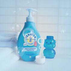 Psst! Geheim-Tipp: Nach dem nächsten Kindergeburtstag solltet ihr leere Seifenblasen-Behälter nicht enstorgen – einfach ein paar Tropfen Penaten® Bad & Shampoo mit Wasser vermischen und ihr bekommt tolle Seifenblasen, die nicht in den Augen brennen. :-)