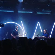slightly obsessed with oh wonder right now