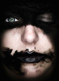 Black-Noir-Zwart-Nero-Negro