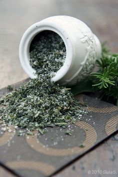 Wash sage and dry it well. Do the same with rosemary. Finely chop sage leaves, rosemary and garlic cloves. Combine the mix of sage, rosemary and garlic with salt and freshly ground black pepper. Close in a jar and keep it in the fridge.