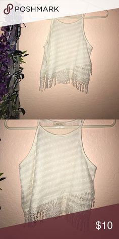 MOVING SALE CROP TOP super cute boho crop top with a fringe bottom!! cute fringes add for a touch of flare!😉😉 MAKE ME AN OFFER I NEED TO GET RID OF STUFF Poetry Tops Tank Tops