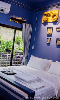 New Bangkok Hotel Near BTS Saphan Taksin: The House of Phraya Jasaen - Tieland to Thailand Thailand Resorts, Beautiful Places To Live, Bangkok Hotel, Outdoor Furniture, Outdoor Decor, Where To Go, Bungalow, Boutique, Night