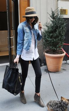 Miranda Kerr. Love this simple yet stylish outfit, for shopping or whatever.