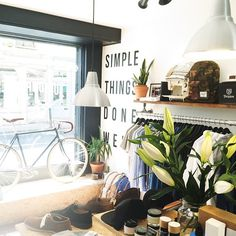 Fresh flowers always do the job in the summer months. Bike by Temple Bikes (www.templebikes.co.uk)