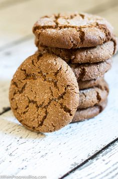 This is the BEST gingersnap cookie recipe I've ever made. It has the perfect blend of spices, it's crunch on the outside and chewy in the middle. And look at how the sugar falls into the crackles! SO GOOD! #fall #cookies #baking
