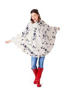 Festival rain cape. Dance in the rain with this waterproof festival poncho. Shop it online: http://happyrainydays.com/eu/shop/raincapes-raintrousers/rain-poncho-beau/