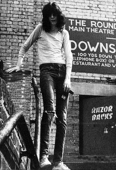 Joey Ramone photographed by Danny Fields Joey Ramone, Ramones, Punk Rock, Hey Ho Lets Go, Minor Threat, Dead Kennedys, Iggy Pop, Gabba Gabba, Johnny Cash