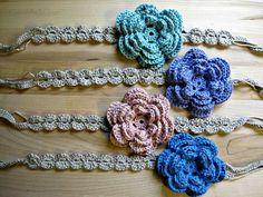createbellacreate: crochet flower headband tutorial. Have to follow link for flower pattern.