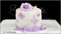 Bolo Decorado – Borboletas / Butterfly e Flores / Flowers Para informações/orçamentos enviar 📩 e.mail para soartesolange@gmail.com 🏠 www.soartesolange.com