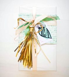 DIY - How to wrap your gifts with a TASSEL #christmas