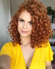 55 Beautiful and Convenient Medium Bob Hairstyles - Hairstyles Trends Bob Haircut Curly, Haircuts For Curly Hair, Curly Hair Cuts, Curly Bob Hairstyles, Short Curly Hair, Curly Hair Styles, Short Textured Hair, Choppy Hair, Hair Inspiration