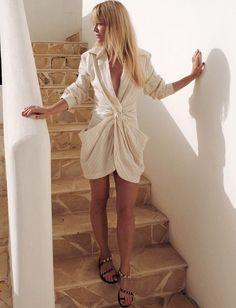 Col chemise + drapé = le bon mix (robe Jacquemus - photo Jeanette Friis Madsen)