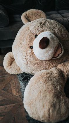 Whatsapp Wallpaper, Hd Wallpaper Iphone, Bear Wallpaper, Soft Wallpaper, Aesthetic Iphone Wallpaper, Iphone Backgrounds, Phone Wallpapers, Huge Teddy Bears, Giant Teddy Bear
