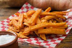 Cette recette est pour les grands amateurs de frites qui se sentent coupables à chaque fois qu'ils en mangent. Elles sont très bonnes pour la santé!