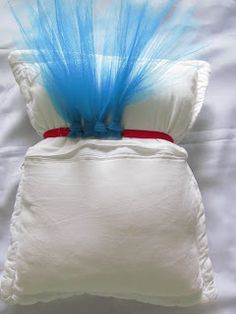 tutorial saia tutu passo a passo saia tutu Born Baby Photos, Diy Tutu, Quick Crafts, Baby Girl Dresses, Diy Costumes, Dance Wear, Diy For Kids, Bean Bag Chair, Bed Pillows