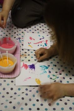 homemade puffy paint recipe - happy hooligans - arts and crafts 4 kids Crafts For Kids To Make, Projects For Kids, Art Projects, Kids Crafts, Fall Crafts, Smash Book, Toddler Activities, Activities For Kids, Homemade Puffy Paint