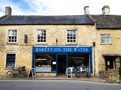 11 Beautiful Cotswolds Villages You Need To See - To Europe And Beyond England Ireland, England Uk, Beautiful Places To Visit, Most Beautiful, Bourton On The Water, English Village, English Cottages, Places In Scotland, Oil Painting For Beginners