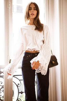 Step aside Bretons and skinny jeans, this is what French women are wearing now Parisienne Chic, French Fashion, Boho Fashion, Fashion Outfits, Style Français, Style Icons, French Girl Style, French Chic, Vogue
