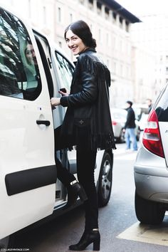 Milan_Fashion_Week-Fall_Winter_2015-Street_Style-MFW-Gulia_Tordini-Fringed_Leather_Jacket-1