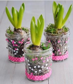Unique and Creative 9 incredible DIY items for trainer / grasp Crafts For Girls, Hobbies And Crafts, Diy For Kids, Little Presents, Mothers Day Presents, Pom Pom Crafts, Yarn Crafts, Homemade Gifts, Diy Gifts