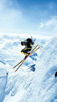 Steep American extreme skier Scott Schmidt pushing the envelope in the Chugach Mountains, near Valdez Alaska photo by Chris Noble Real World Games, Skate, Snow Skiing, Alpine Skiing, Victoria, Snowboards, Ski And Snowboard, Extreme Sports, Winter Snow
