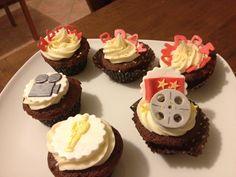 Hollywood Movie cupcakes Movie Cupcakes, Rome, Hollywood, Birthday, Desserts, Birthdays, Deserts, Rum, Dessert