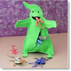 Felt Oogie Boogie Monster tutorial · Felting | CraftGossip.com