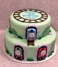 thomas the train brithday cake picture