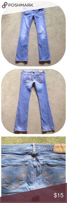 "Hollister Size 5S Boot Cut Blue Jeans Across waist - 15""; Front rise - 7"", Inseam - 31"", Leg opening - 8""; Cotton, Elastane Hollister Jeans Boot Cut"