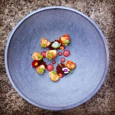 Pickled Scallops, Smoked Chorizo & Watermelon by via Use for get… Weeknight Meals, Easy Meals, Fancy Food Presentation, Michelin Star Food, Good Food, Yummy Food, Everyday Food, Scallops, Popular Recipes