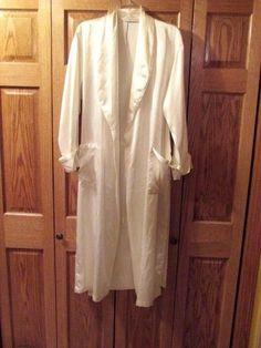 VICTORIA SECRET BATHROBE, COLOR CREAM/WHITE, SIZE XS/S #VICTORIASECRET #Robes.  eBay item number:131732245509