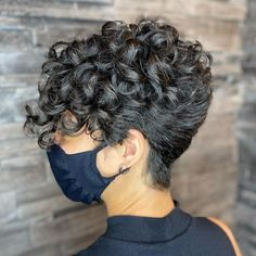 Short Curly Crochet Hair, Short Natural Curly Hair, Grey Curly Hair, Curly Hair With Bangs, Curly Hair Cuts, Short Hair Cuts, Curly Hair Styles, Long Curly, Pixie Cuts